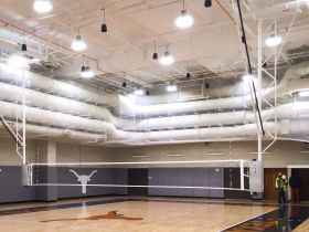 POWR-NET OVERHEAD SUPPORTED FOLD-UP VOLLEYBALL SYSTEM W/O JUDGE'S STAND